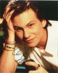 Christian Slater - Film -  MR ROBOT - 10 X 8 Genuine Signed Autograph 10732